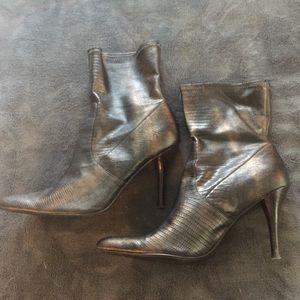 Nine West Leslie booties